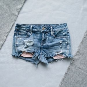 American Eagle Distressed Size 4 Shortie Shorts